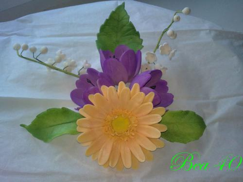gerbera, tulipány, konvalinky