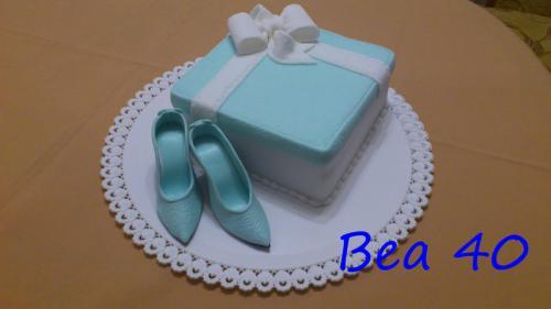 Darček s modrými lodičkami